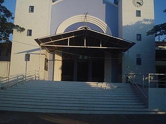 Tuxtla Gutiérrez - Authentic entrance's mudéjar bricks arch damaged with paint on Church of Saint Roch, Tuxtla Gutiérrez
