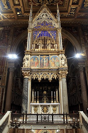 Ad orientem - The altar of the cathedral of Rome, at which popes have always celebrated Mass facing east and also facing the people