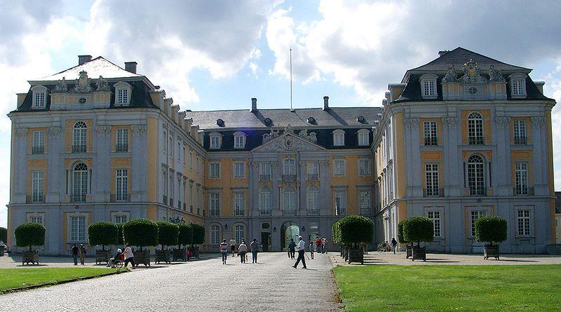 File:Schloss Augustusburg.jpg