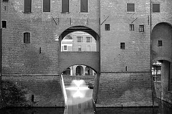 Scorcio del Castello Estense (Ferrara).JPG