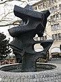 Sculpture-fontaine Rue du Perron (Genève).JPG