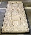 Scuola forse veronese, lastra tombale di dinadato spinelli, xiv secolo, da s.m. consolatrice a vr 01.jpg