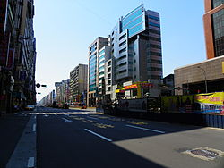 Section 5th, Nanjing East Road 20110329.JPG
