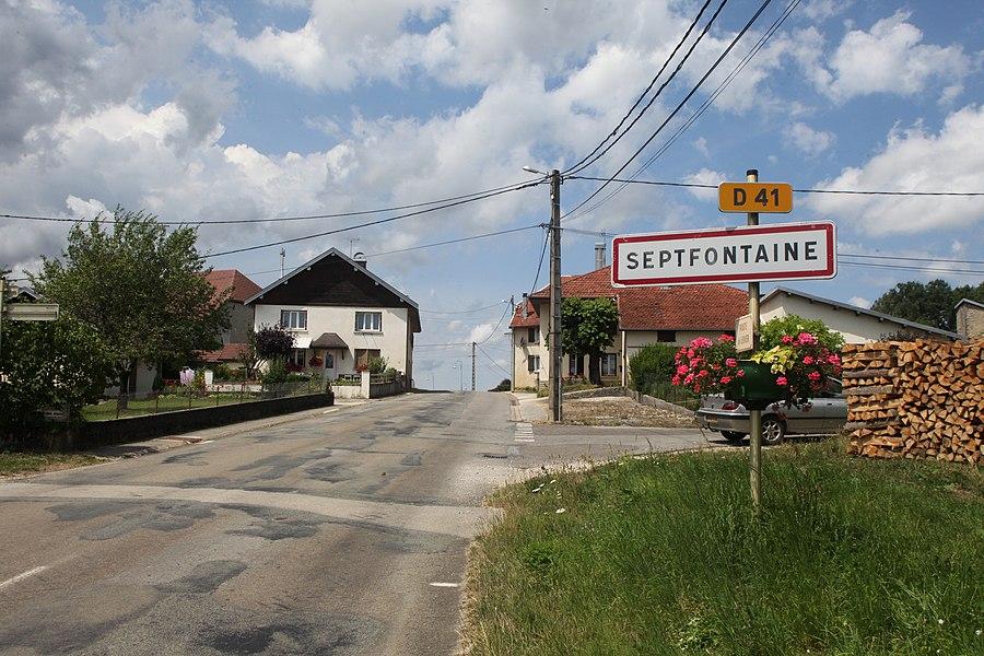 Entrée de Septfontaines (Doubs).