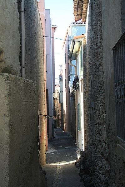 Sérignan (Hérault) - rue des Salanquiers.