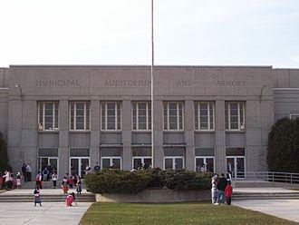 Sheboygan Red Skins - Image: Sheboygan Armory Entrance