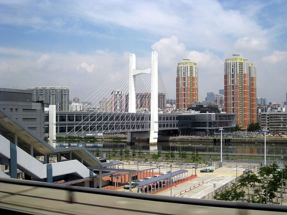 Shenzhen FongTin to Hong Kong Bridge