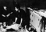 La produzione delle Sidolówka. C'erano bombe a mano in una fabbrica sotterranea della Armia Krajowa presso Leopoli durante la seconda guerra mondiale