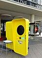 Snapchat Vending machine in Berlin in June 2017 10.jpg