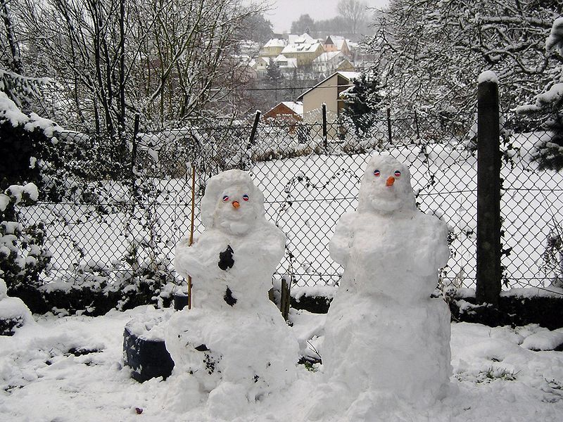 File:Snowman winter2.jpg
