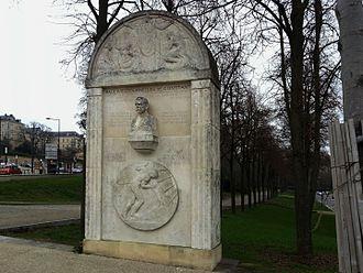 Paul Henri Balluet d'Estournelles de Constant - Paul d'Estournelles de Constant bust, by Paul Landowski, Place des Jacobins (Jacobins square), in Le Mans, Sarthe, France.