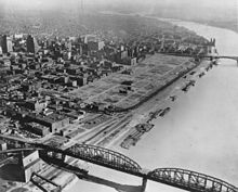 Aerial photograph of the St. Louis riverfront