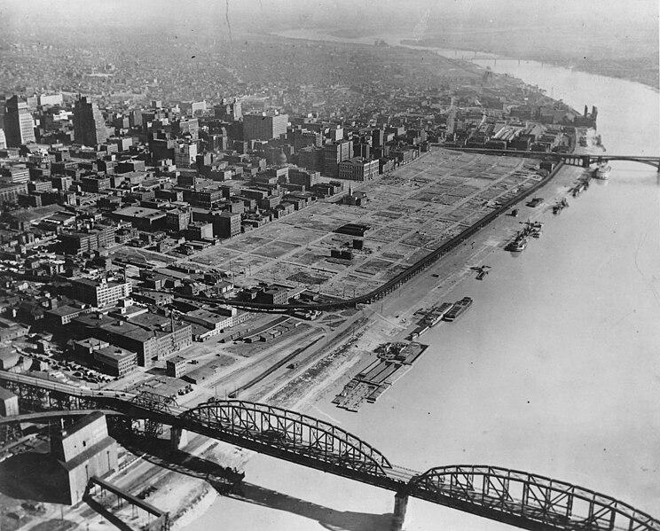 File:St. Louis riverfront after demolition for Gateway Arch (1942).jpg