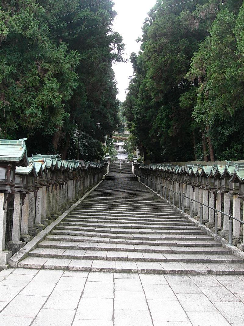 宝山寺参道