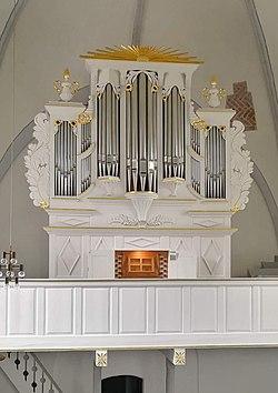 Stapelmoor, ev.-ref. Kreuzkirche, Orgel (9).jpg