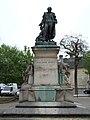 Statue de Philippe Pinel.JPG