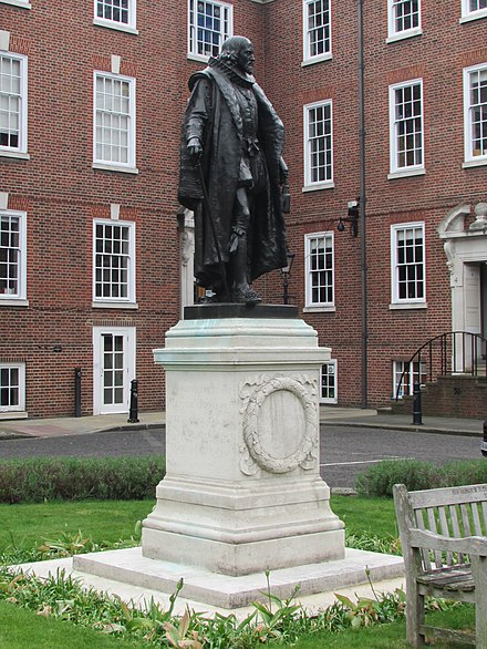 Bacon's statue at Gray's Inn, South Square, London