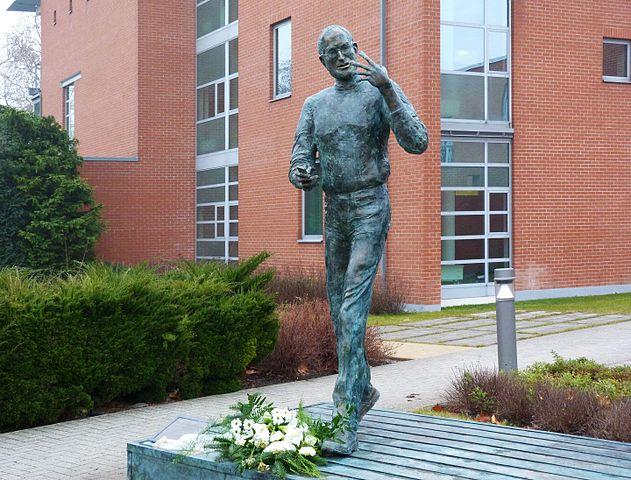 Статуя Джобса в парке Graphisoft в Будапеште