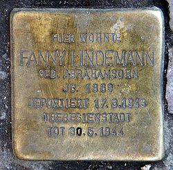 Photo of Fanny Lindemann brass plaque