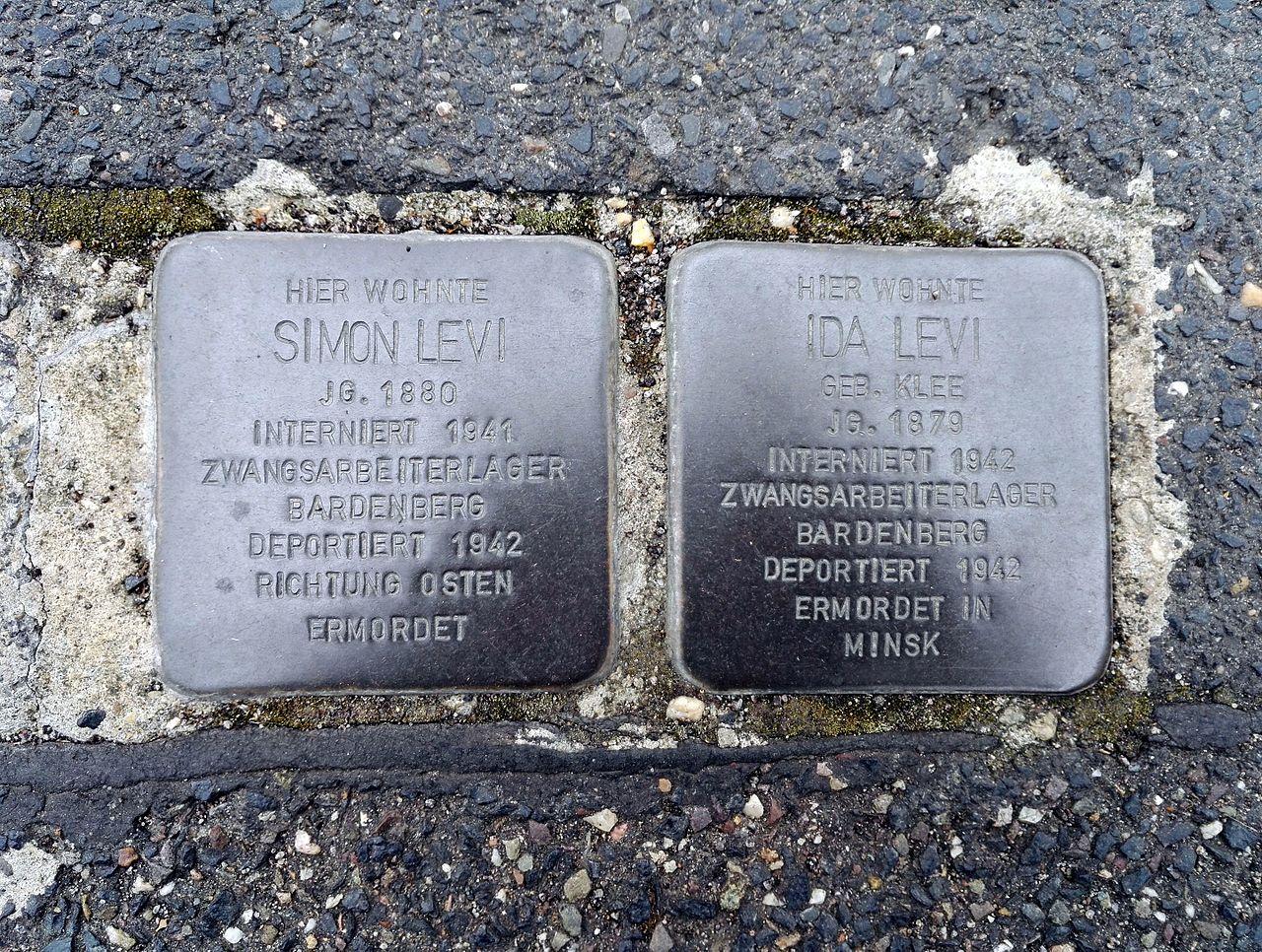 Stolpersteins Simon Levi, Ida Levi, Büttgasse 14, Bornheim.jpg