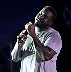T-Pain performing at Kadena Air Base 02.jpg