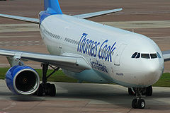 Thomas Cook Airlines Scandinavia Airbus A330-243 (OY-VKF) na lotnisku w Manchesterze.