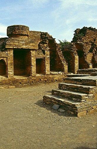 Takht-i-Bahi - Image: Takht i Bahi 2