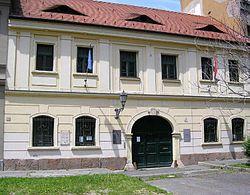 Textil-museum-bp1.jpg