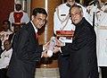 The President, Shri Pranab Mukherjee presenting the Padma Shri Award to Dr. Nitish Naik, at an Investiture Ceremony-II, at Rashtrapati Bhavan, in New Delhi on April 26, 2014.jpg
