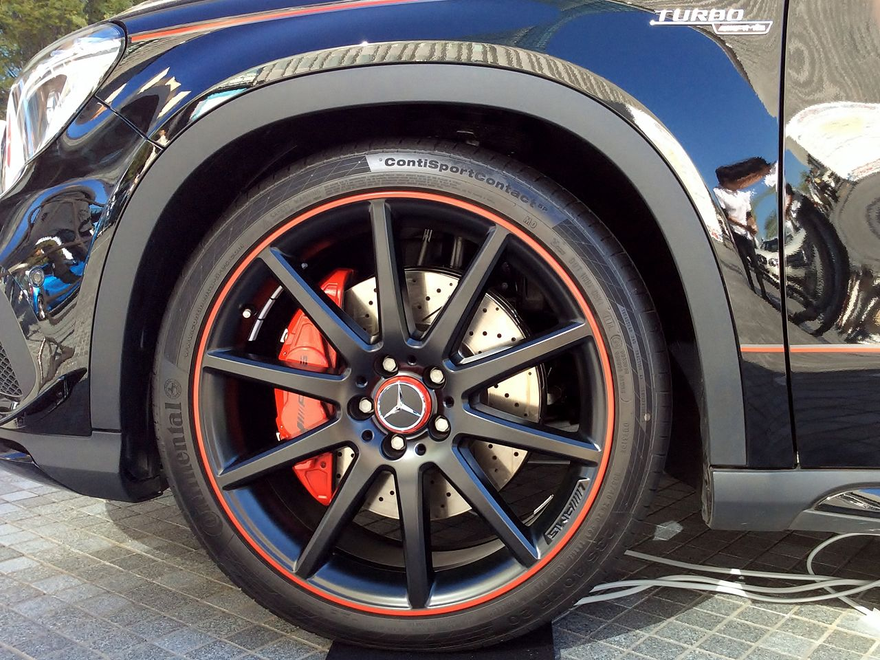 File the tire wheel of mercedes benz gla45 amg 4matic for Six wheel mercedes benz