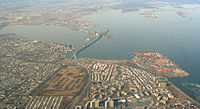 Throgs Neck Bridge aerial 2003.jpg
