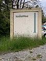 Toilettes publiques à Embrun - proche plan d'eau.jpg