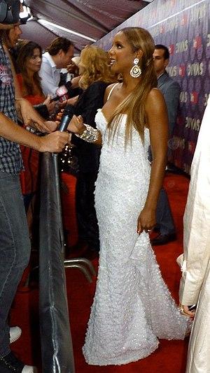 Toni Braxton - Braxton at the 2009 VH1 Divas Red Carpet
