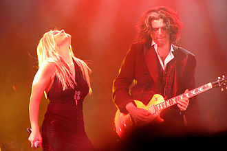 Trans-Siberian Orchestra - Jennifer Cella and Alex Skolnick performing with TSO, 2007