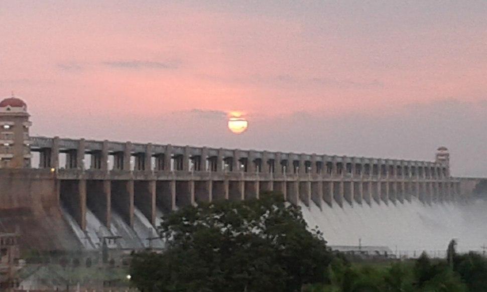Tunga Bhadhra Dam, HosaPete