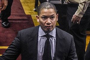 Tyronn Lue - Lue with the Cavaliers in 2016