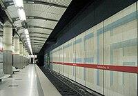 U-Bahnhof Frankfurter Ring 01.jpg
