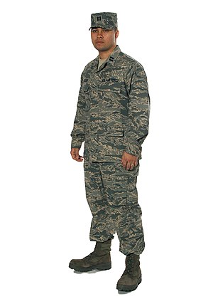 Uniforms of the United States Armed Forces - Image: USAF Airman Battle Uniform