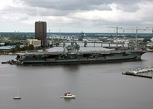 USS George Washington (CVN-73) - USS George Washington on her way to Norfolk Naval Shipyard