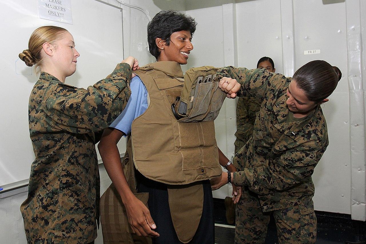 File Us Navy 100714 M 6044v 029 Marine Corps Sgt Krystal