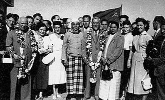 U Nu - U Nu with Soviet leaders Nikita Khrushchev (far left with floral lei) and Nikolai Bulganin (right with floral lei) in Rangoon, December 1955