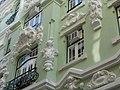 Upmarket Lisbon (5963378049).jpg