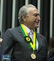 Vice-presidente Michel Temer com Medalha Mérito Legislativo 01.jpg