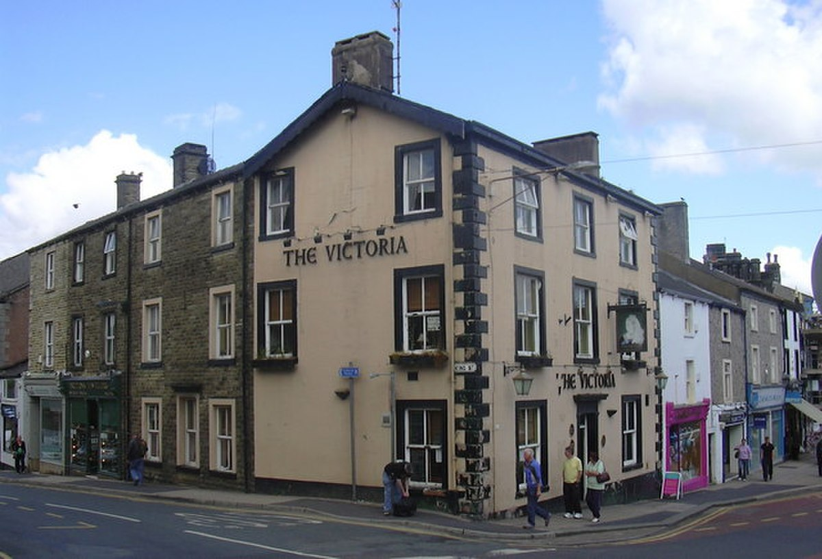 Victoria Hotel, Market Place, Clitheroe - geograph.org.uk - 1351030.jpg