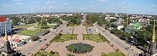 220px-Vientiane_Patouxai_Laos.jpg