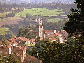 Village de Rozier-en-Donzy, Loire, France.jpg