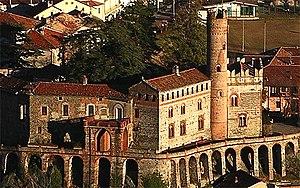 http://upload.wikimedia.org/wikipedia/commons/thumb/6/62/Villar_Dora-Castello.jpg/300px-Villar_Dora-Castello.jpg