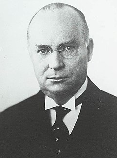 August 7: R. B. Bennett becomes the 11th Prime Minister of Canada Viscount Bennett.jpg
