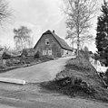 Voor- en zijgevel langhuisboerderij - Waarder - 20375863 - RCE.jpg