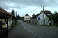 Vranov, hlavní silnice.jpg